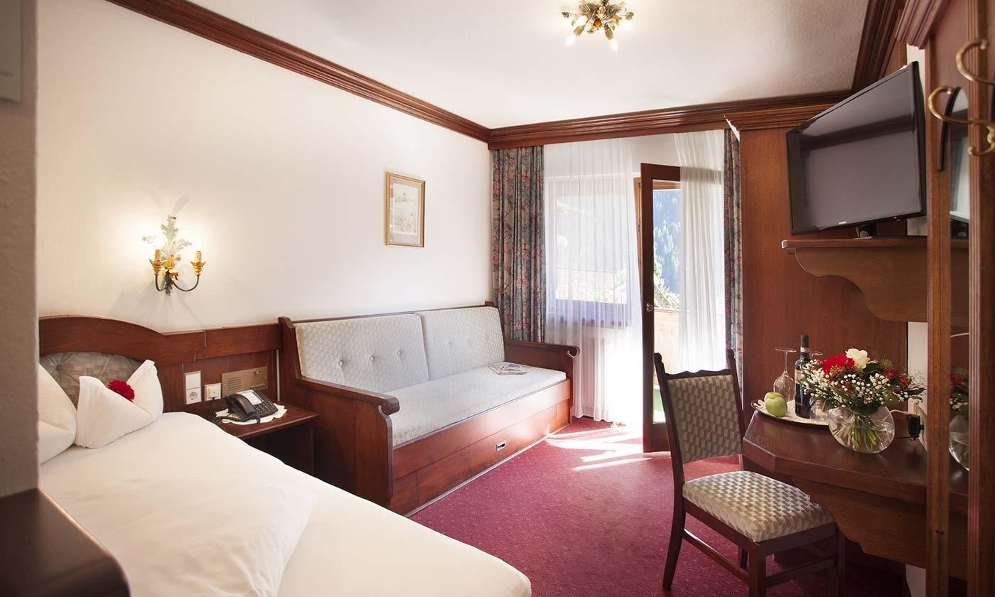Einzelzimmer mit Balkon Hotel Almhof Danler Hotel in Neustift Stubaital Tirol