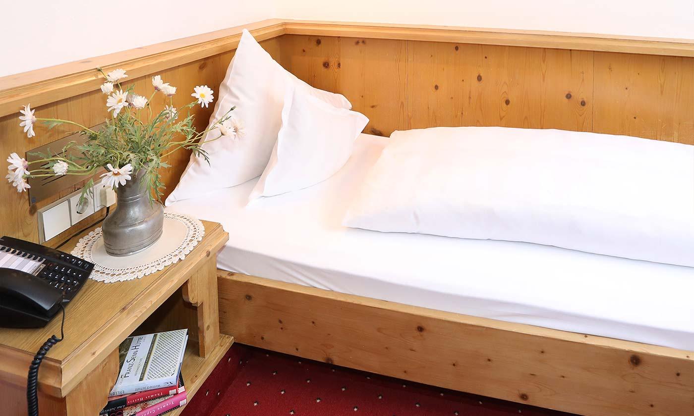 Einzelzimmer ohne Balkon Hotel Almhof Danler Hotel in Neustift Stubai Tirol