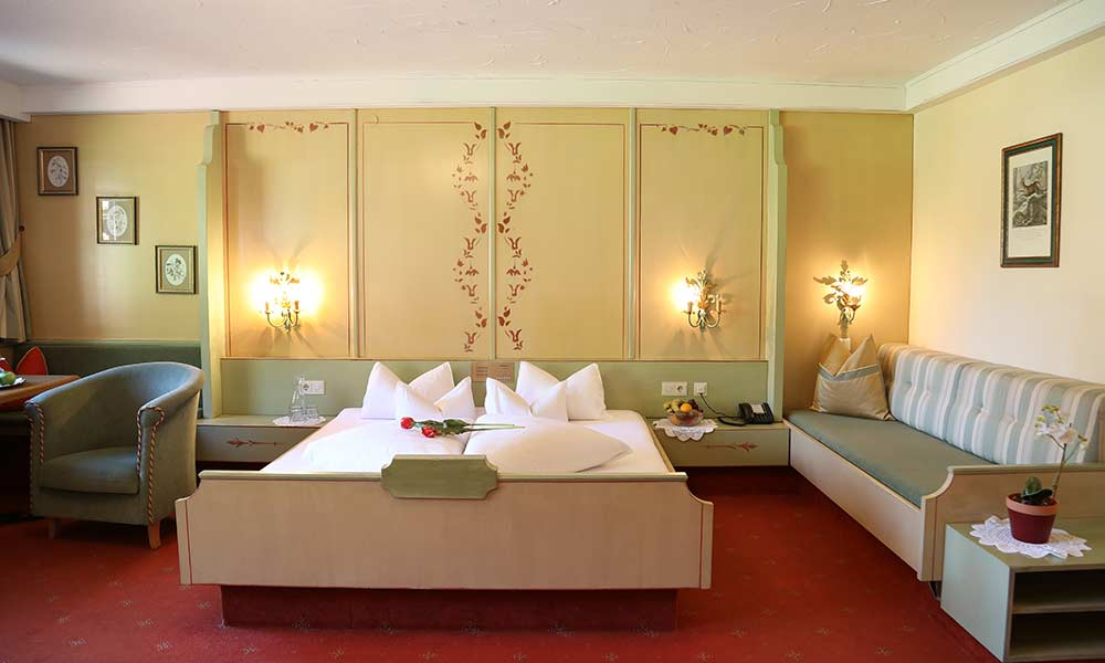 Family room Hotel Almhof Four-star hotel in Neustift Milders Stubai Tyrol Austria