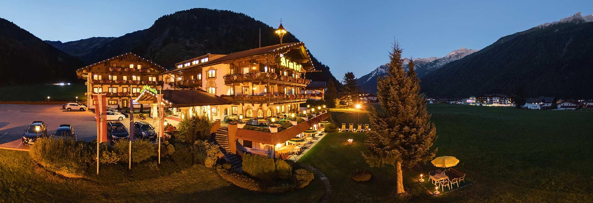 Hotel Almhof Pension Almrausch Bio-Bauernhof Chalet Claudia Urlaub in Neustift Milders Tirol Stubaital