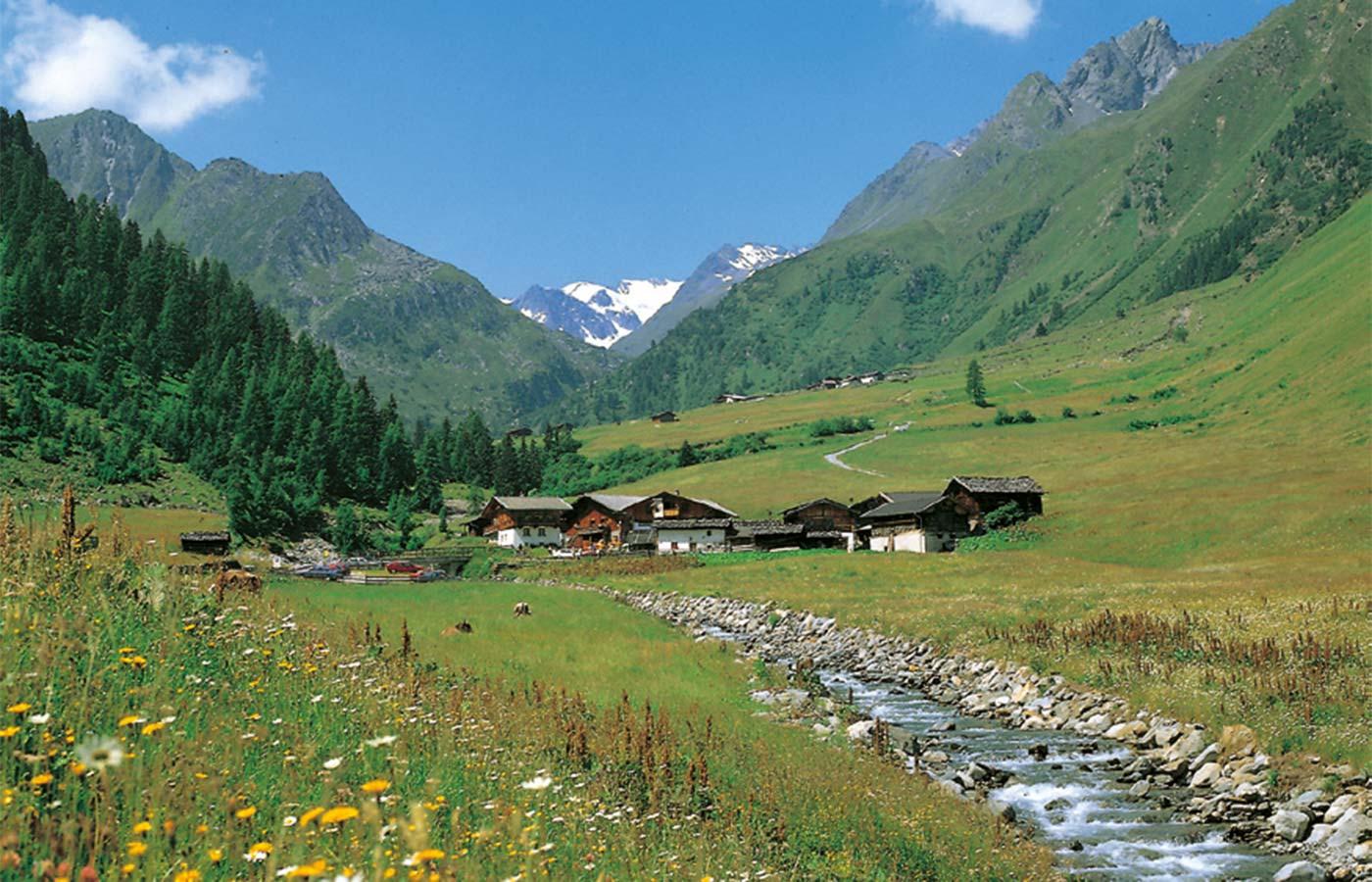 Oberiss Alm - das beliebte Ausflugsziel im Stubaital Urlaub Hotel Almhof