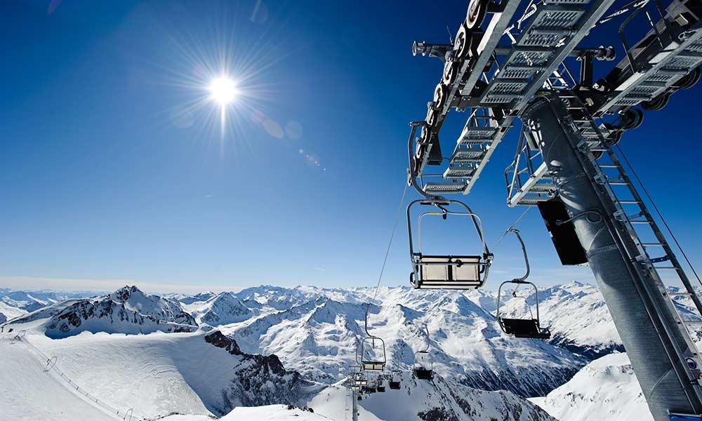 Sonnenskilauf Skiurlaub am Stubaier Gletscher Hotel Almhof Danler Hotel in Neustift Stubaital Tirol